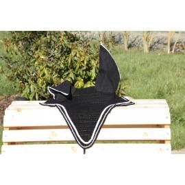 Bonnet semi long noir tresse plate blanche